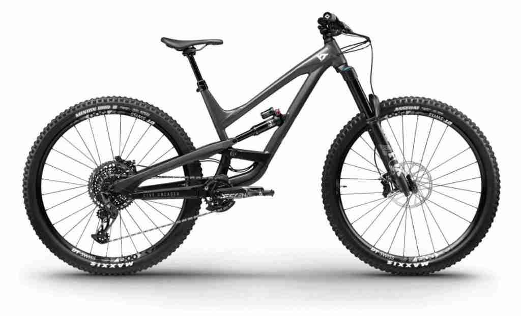 YT Capra // Discover the best mountain bike brands including and Learn the pros and cons of each brand, popular bike models, prices, and more.