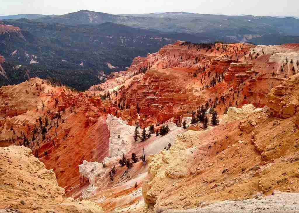 Thunder Mountain // Wondering where to bike in Utah? In this post, I've rounded up the best Utah bike trails for bikepackers, mountain bikers, & cyclists.